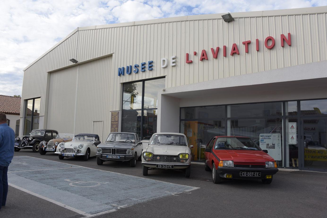 Auto Moto Rétro 04 Forcalquier - Musee Aviation Saint Victoret